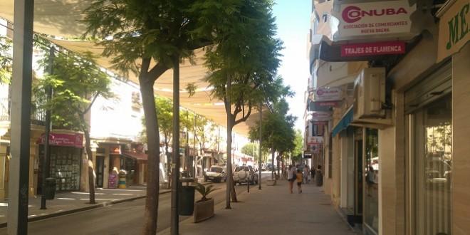 Imagen de archivo de una calle comercial de Baena. Foto: TV Baena.