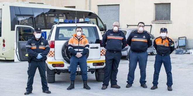 Imagen de archivo de algunos voluntarios de la Agrupación Local de Protección Civil de Baena.