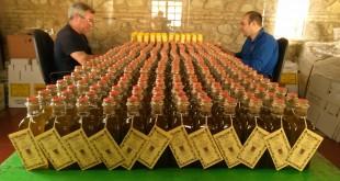 Aceite de oliva virgen extra de una de las principales empresas exportadoras de la provincia. Foto de archivo: TV Baena.