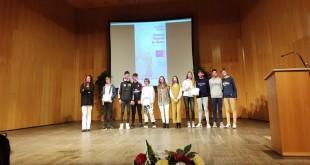 Alumnos premiados como finalistas en el XI Certamen de Cortos contra la Violencia de Género. Foto: TV Baena