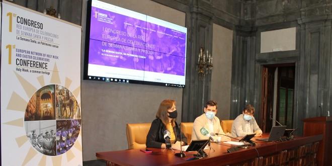 Presentación en la Casa de la Provincia de Sevilla del  congreso europeo  'La Semana Santa, un Patrimonio Común'. foto: Caminos de Pasión.