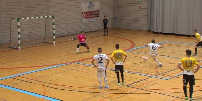 Gol del Oleícola El Tejar-Atlético Baenense al CD Bailén en el partido disputado en el pabellón 'Juan Carlos I'. Foto: TV Baena.