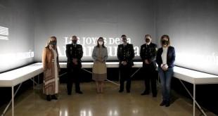 Autoridades asistentes a la inauguración de la exposición del 'Tesorillo de Baena' en el Museo Arqueológico de Córdoba.  Foto: Junta de Andalucía