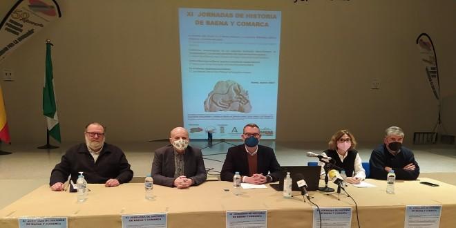 Presentación de las XI Jornadas de Historia de Baena y Comarca, ayer en el IES Luis Carrillo de Sotomayor. foto: TV Baena.