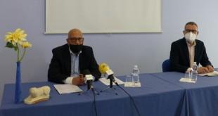 Presentación, esta mañana, de las bases del concurso para la elección del logo y eslogan para la promoción del turismo en Baena. Foto: TV Baena.
