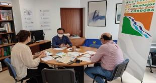 El presidente de Adegua, Ramón Martín, esta mañana, en una sesión de trabajo con técnicos de Adegua. Foto: TV Baena.