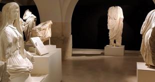 Las tres esculturas romanas del Minguillar expuestas en el Museo Arqueológico de Baena. Foto: Facebook Torreparedones Parque Arqueológico.