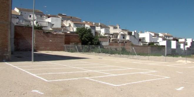 Nuevos aparcamientos gratuitos en la zona de 'La cañada'. Foto. TV Baena.