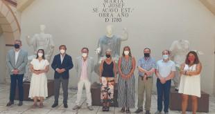 La consejera de Cultura y Patrimonio Histórico, Patricia del Pozo, junto al miembros del equipo de gobierno de Baena y representantes de la Junta.